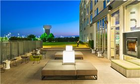 Quorum Hotels & Resorts, Texas - Outdoor Sitting Area